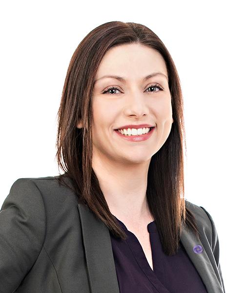 Tanya Giles, Professionnelle de la dette